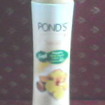 Ponds Sandal Radiance Talc Review