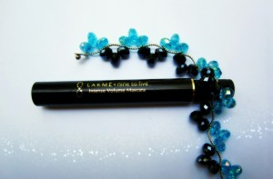 Lakme Nine to Five Intense Volume Mascara Review and Photos