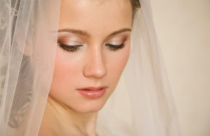 9 Steps for Simple Do It Yourself Bridal Makeup