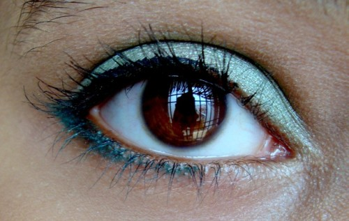 Eye-Makeup-for-Blue-Dress
