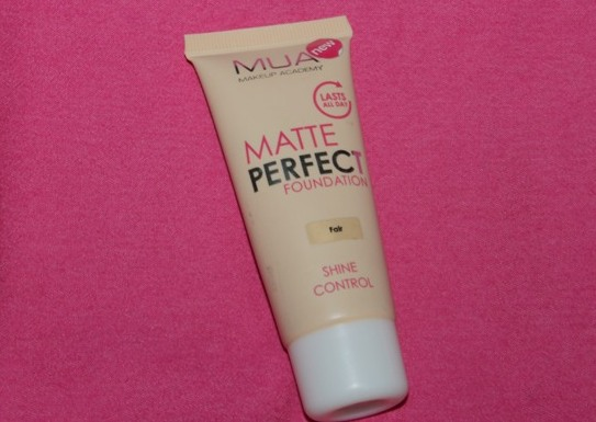 MUA-Matte-Perfect-Shine-Control-Foundation-Review