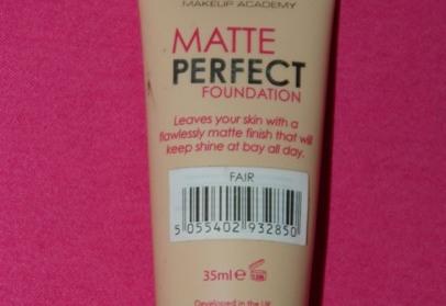 Oily-Skin-Foundation-MUA