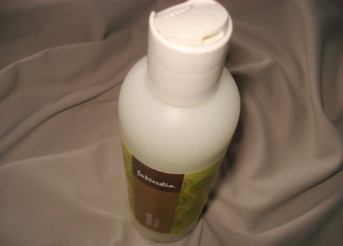 Fabindia-Avocado-Shampoo-Review-Packaging