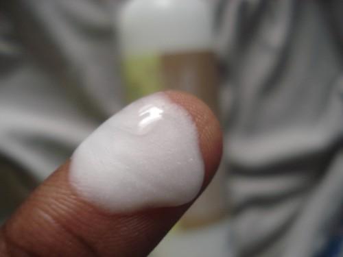 Fabindia-Avocado-Shampoo-Swatch