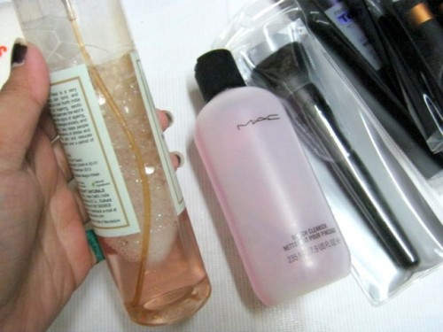 How-to-Clean-Your-Makeup-Brushes-1