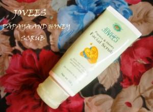 Jovees Papaya and Honey Facial Scrub Review
