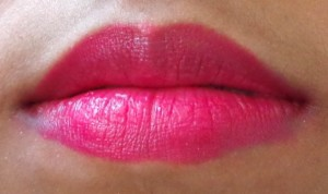 Coloressence Mesmerising Lipstick Fuschia Glame Review