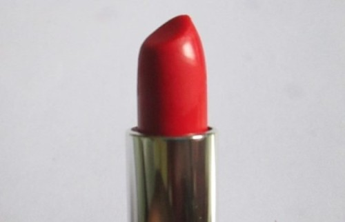 Maybelline-Color-Sensational-Bold-Matte-Mat-4-Lipstick-Review-4