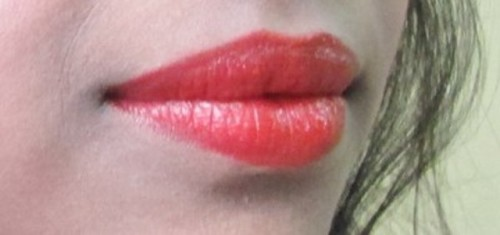 Maybelline-Red-Lipstick-Swatch
