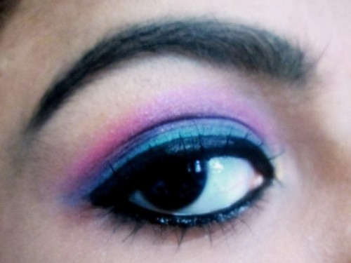 Pink-Green-Eye-Makeup-5