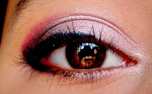 Rose-Gold-And-Plum-Eye-Makeup-Tutorial-3