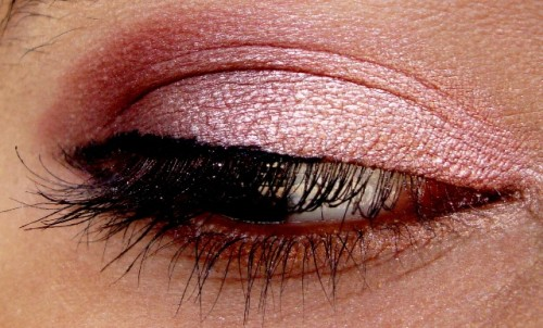 Rose-Gold-And-Plum-Eye-Makeup-Tutorial-7