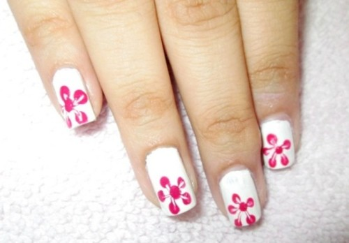 Single-Flower-Print-Nail-Art-step-4