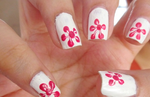 Single Flower Print Nail Art