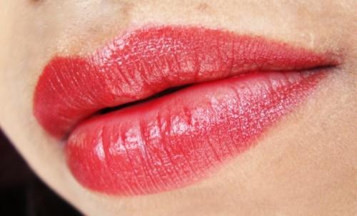 Red-Lipstick-scorpio