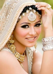 7 Super Essential Bridal Makeup Tips