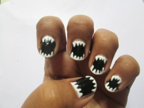 Halloween-Inspired-Easy-Nail-Art-Tutorial-3