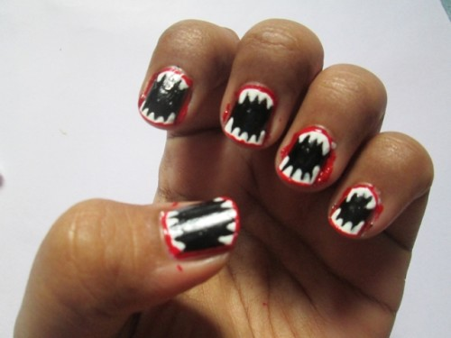 Halloween-Inspired-Easy-Nail-Art-Tutorial-4