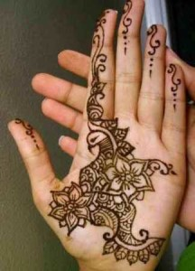 8 Gorgeous Indian Mehendi Designs for Beginners
