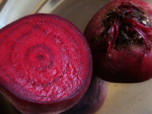 diy beetroot skin lightening mask