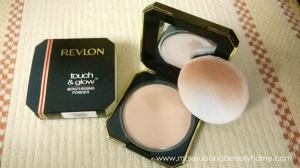 Revlon Touch & Glow Moisturising Powder Review