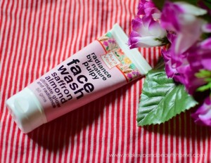 Auravedic Pulpy Saffron Almond Face Wash – SLS and Paraben Free : Review, Photos