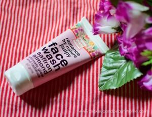 auravedic saffron almond face wash review