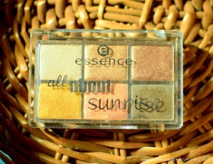 Essence All About Sunrise Eyeshadow Palette : Review, Swatches