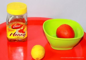 Clear Your Tan With Tomato, Honey And Lime Face Pack : Tried and Tested Recipe, Photos