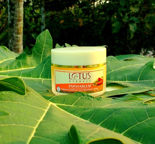 lotus herbals papayablem cream